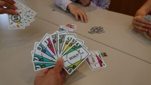スカウト:カードプラスチックだしおしゃれ!しかもおもろい!!