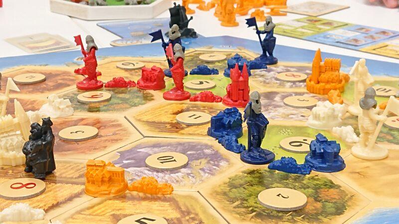 精巧な作りの駒がゲームを更に盛り上げる!
